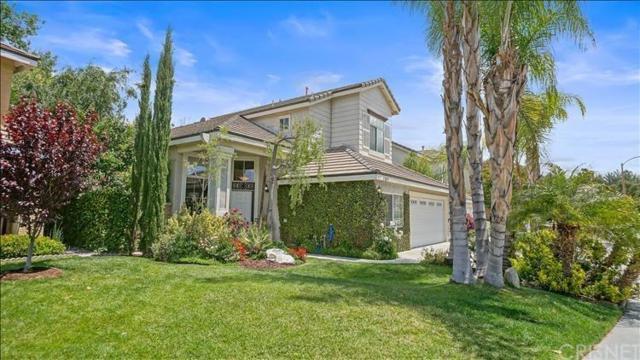 23831 Foxwood Court, Valencia, CA 91354 (#SR19116660) :: Paris and Connor MacIvor