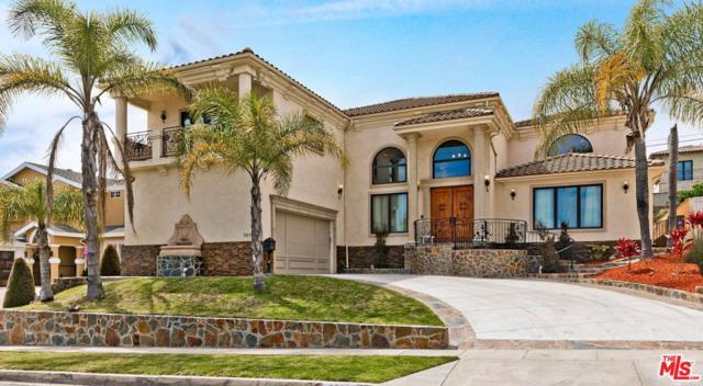 5611 S Chariton Avenue, Los Angeles (City), CA 90056 (#19471332) :: Fred Howard Real Estate Team