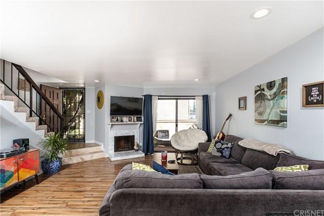 8750 Kester Avenue #19, Panorama City, CA 91402 (#SR19128608) :: The Agency