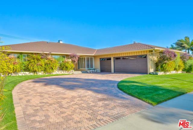 6612 Shenandoah Avenue, Los Angeles (City), CA 90056 (#19473078) :: Fred Howard Real Estate Team