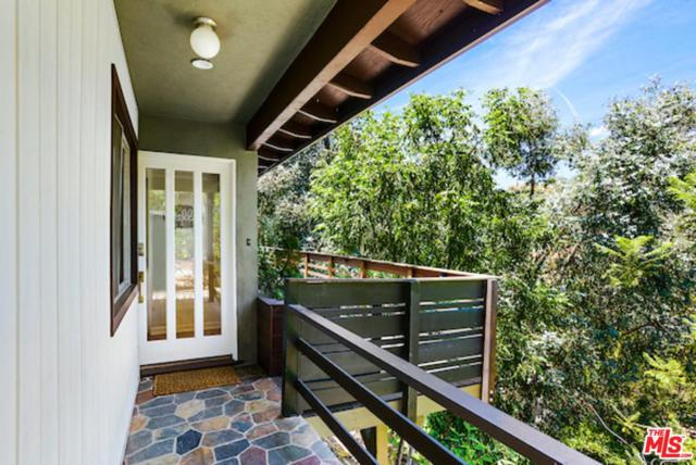 2655 La Cuesta Drive, Los Angeles (City), CA 90046 (#19476666) :: The Fineman Suarez Team