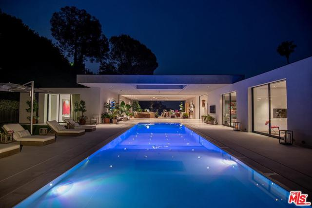 1012 N Hillcrest Road, Beverly Hills, CA 90210 (#19477736) :: Paris and Connor MacIvor
