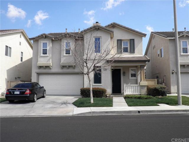 17510 Gladesworth Lane, Canyon Country, CA 91387 (#SR19140158) :: Paris and Connor MacIvor
