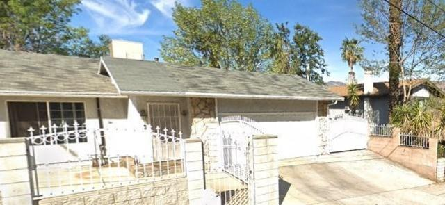 12501 Glamis Street, Pacoima, CA 91331 (#SR19108907) :: Paris and Connor MacIvor