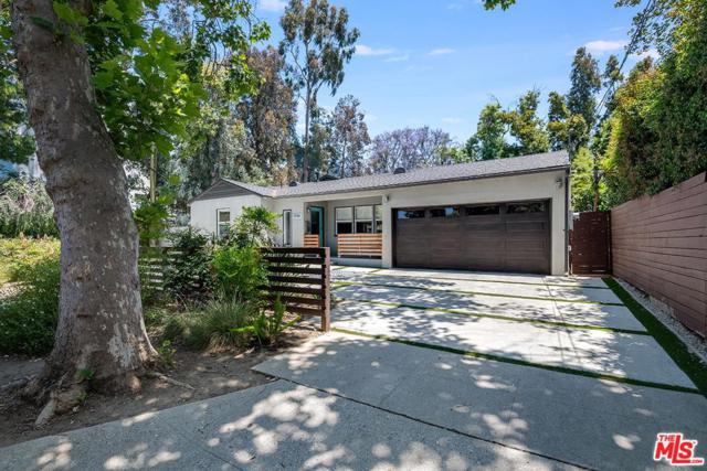 5940 Matilija Avenue, Valley Glen, CA 91401 (#19478960) :: Golden Palm Properties