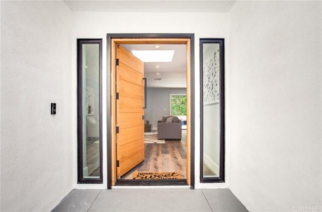 16688 Oldham Street, Encino, CA 91436 (#SR19143971) :: The Agency