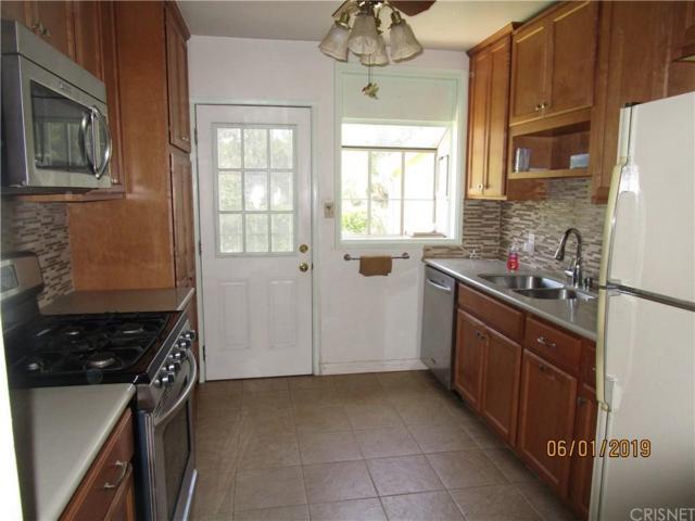 17931 Bullock Street, Encino, CA 91316 (#SR19143538) :: The Agency