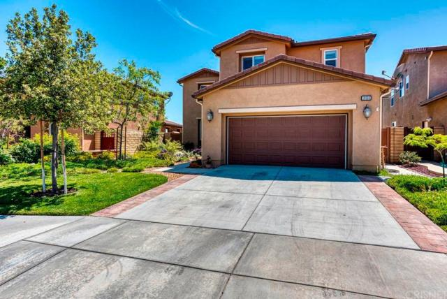 19556 Lanfranca Drive, Saugus, CA 91350 (#SR19149736) :: Paris and Connor MacIvor