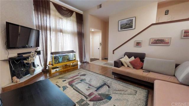 15225 Magnolia Boulevard B, Sherman Oaks, CA 91403 (#SR19147142) :: Golden Palm Properties