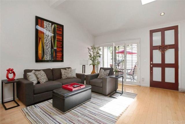 6213 Randi Avenue #39, Woodland Hills, CA 91367 (#SR19151031) :: Golden Palm Properties