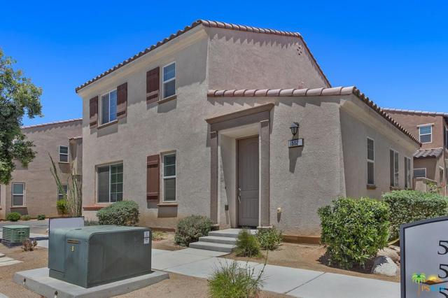 512 Calle Vibrante, Palm Desert, CA 92211 (#19484454PS) :: The Pratt Group
