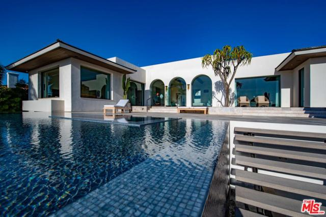 8350 Calle Del Cielo, La Jolla, CA 92037 (#19484370) :: Golden Palm Properties