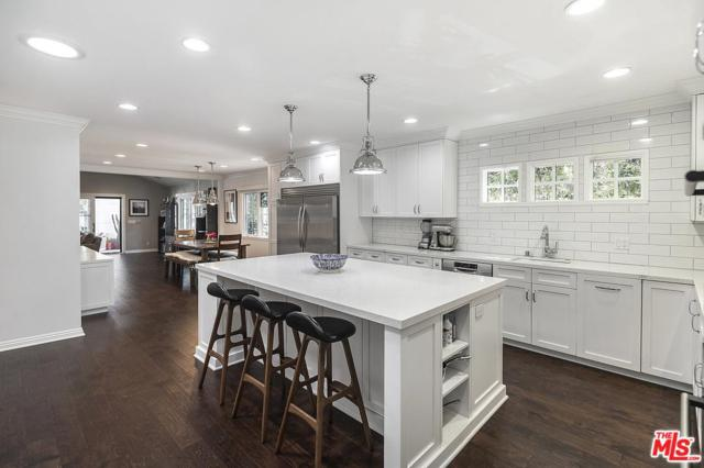 10561 Clarkson Road, Los Angeles (City), CA 90064 (#19484082) :: The Parsons Team