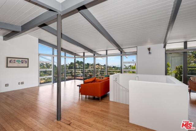 2690 Hollyridge Drive, Los Angeles (City), CA 90068 (#19486422) :: The Parsons Team