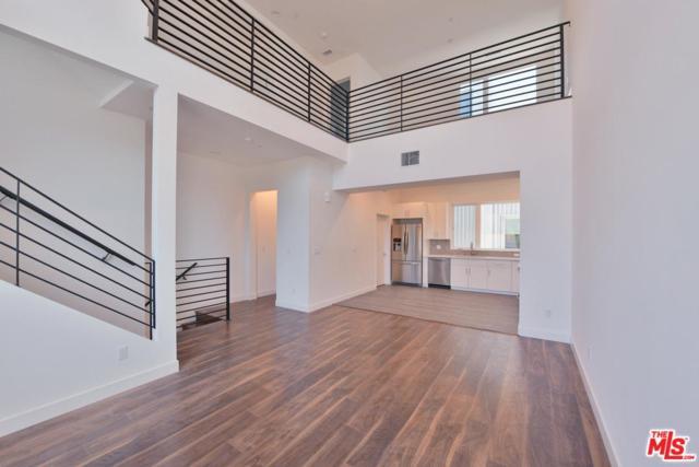 6019 W Beachwood Lane, Hollywood, CA 90038 (#19488094) :: The Agency