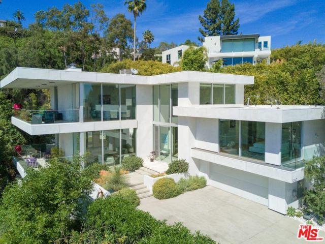 1267 St Ives Place, Los Angeles (City), CA 90069 (#19488660) :: TruLine Realty