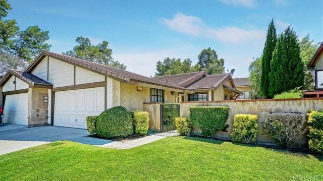 25907 Pueblo Drive, Valencia, CA 91355 (#SR19172128) :: Paris and Connor MacIvor