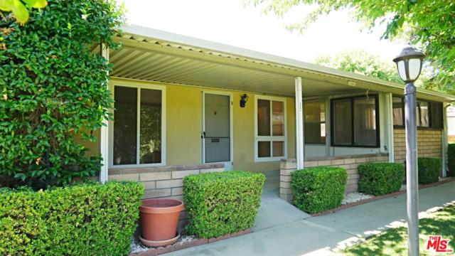 19207 Avenue Of The Oaks B, Newhall, CA 91321 (#19496408) :: Paris and Connor MacIvor