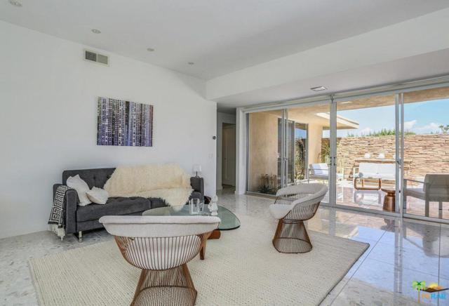 155 Desert Lakes Drive, Palm Springs, CA 92264 (#19498670PS) :: The Pratt Group