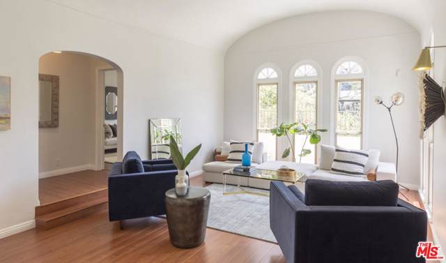 6401 Commodore Sloat Drive, Los Angeles (City), CA 90048 (#19510144) :: The Agency