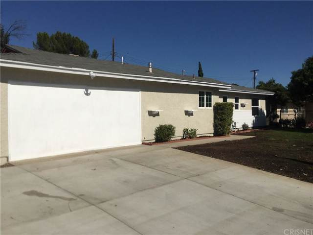 11272 Cometa Avenue, Pacoima, CA 91331 (#SR19218892) :: The Agency