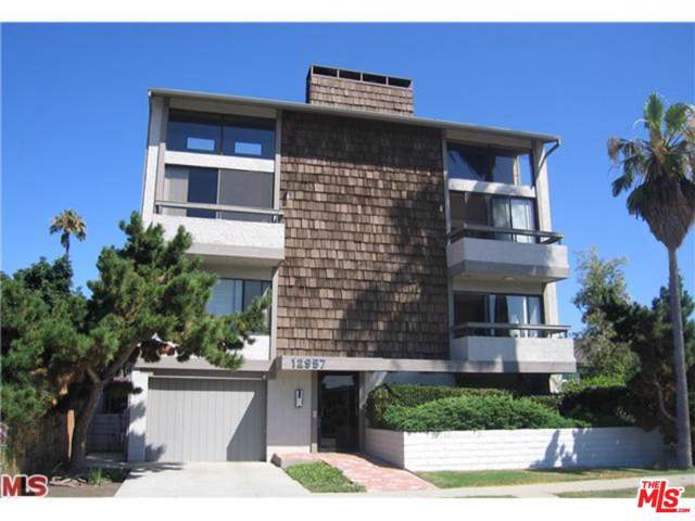 12957 Bonaparte Avenue #2, Los Angeles (City), CA 90066 (#19511092) :: TruLine Realty