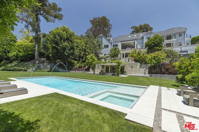 1140 Tower Road, Beverly Hills, CA 90210 (#19509610) :: The Agency