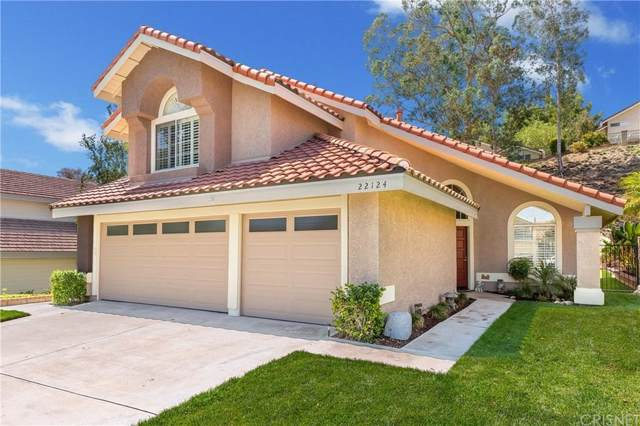 22124 Pamplico Drive, Saugus, CA 91350 (#SR19221167) :: The Agency