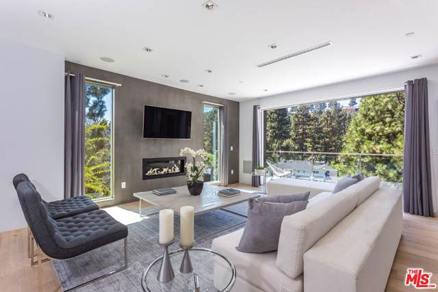 1432 Lindacrest Drive, Beverly Hills, CA 90210 (#19511530) :: The Agency