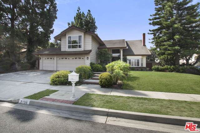 2136 Mccrea Road, Thousand Oaks, CA 91362 (#19512152) :: The Fineman Suarez Team