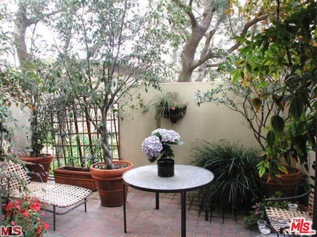 2160 Century Park East #105, Los Angeles (City), CA 90067 (#19512248) :: Golden Palm Properties