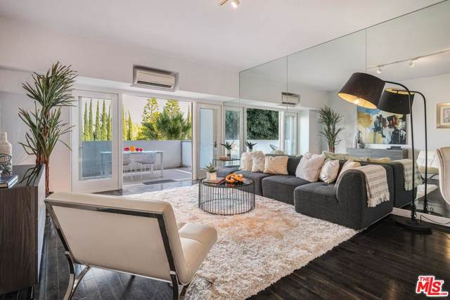 1155 N La Cienega #110, West Hollywood, CA 90069 (#19509040) :: Golden Palm Properties