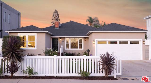 8036 El Manor Avenue, Los Angeles (City), CA 90045 (#19512924) :: The Fineman Suarez Team