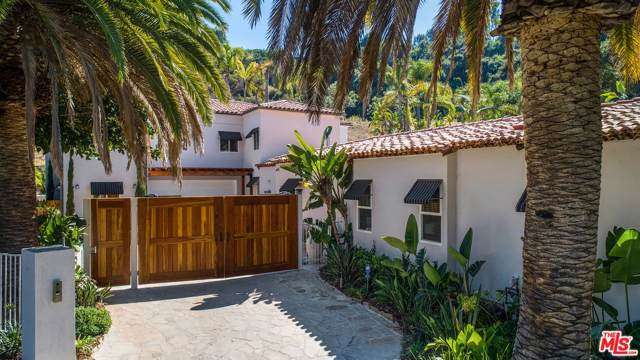 9696 Antelope Road, Beverly Hills, CA 90210 (#19505712) :: The Fineman Suarez Team