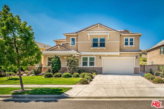 22379 Driftwood Court, Saugus, CA 91350 (#19515502) :: The Fineman Suarez Team