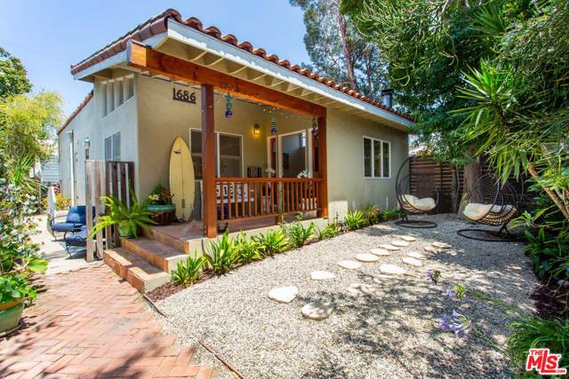 1686 Electric Avenue, Venice, CA 90291 (#19516978) :: Lydia Gable Realty Group