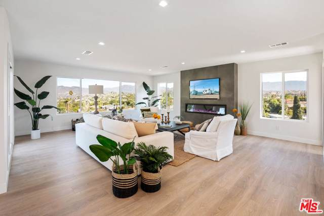 4117 Division Street, Los Angeles (City), CA 90065 (#19516686) :: Lydia Gable Realty Group