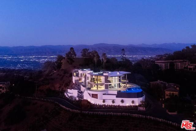 2710 Bowmont Drive, Beverly Hills, CA 90210 (#19519724) :: DSCVR Properties - Keller Williams