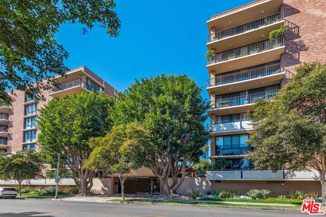211 S Spalding Drive N201, Beverly Hills, CA 90212 (#19520190) :: Golden Palm Properties