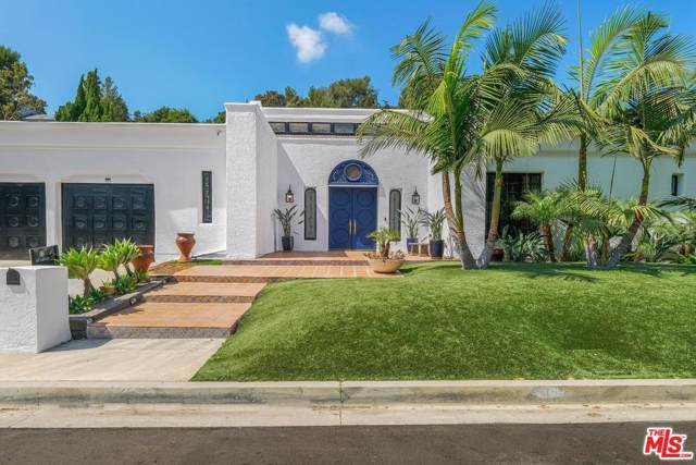 11937 Brentwood Grove Drive, Los Angeles (City), CA 90049 (#19520376) :: Golden Palm Properties