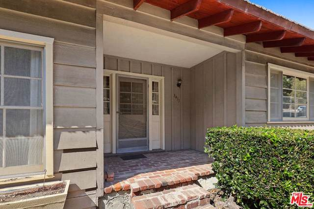 3411 Merrimac Road, Los Angeles (City), CA 90049 (#19520148) :: Lydia Gable Realty Group