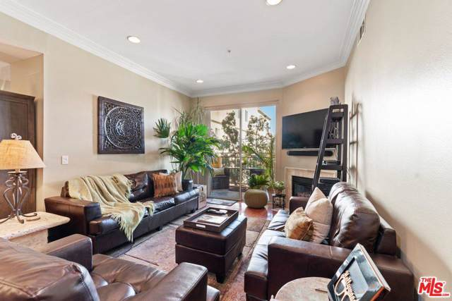 850 N Hudson Avenue #206, Los Angeles (City), CA 90038 (#19520980) :: Lydia Gable Realty Group
