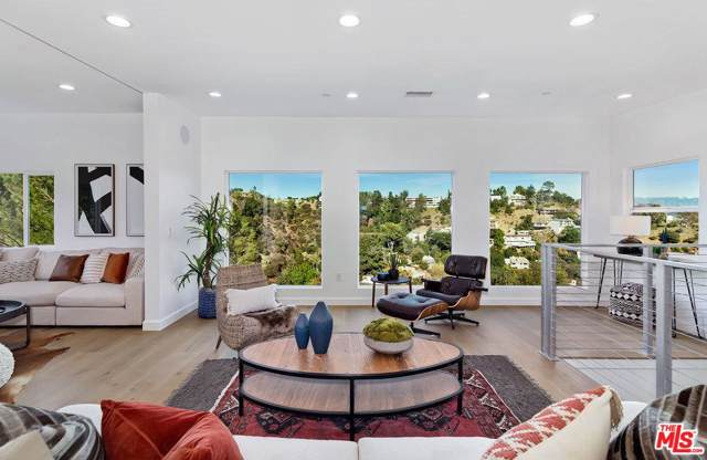 2326 Sunset Heights Drive, Los Angeles (City), CA 90046 (#19533416) :: The Parsons Team