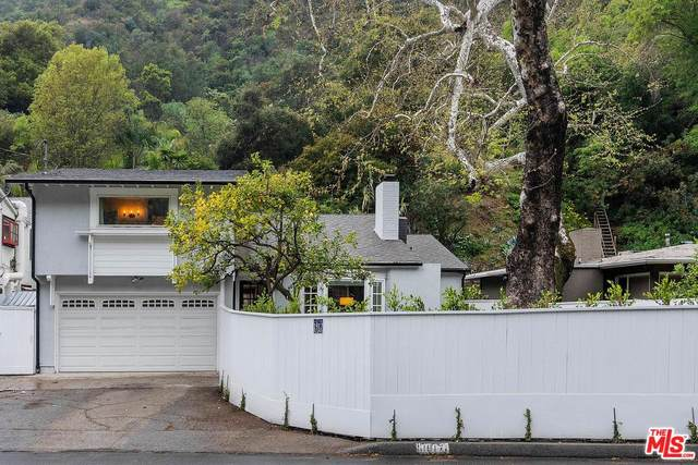 1917 Benedict Canyon Drive, Beverly Hills, CA 90210 (MLS #20563596) :: The Sandi Phillips Team