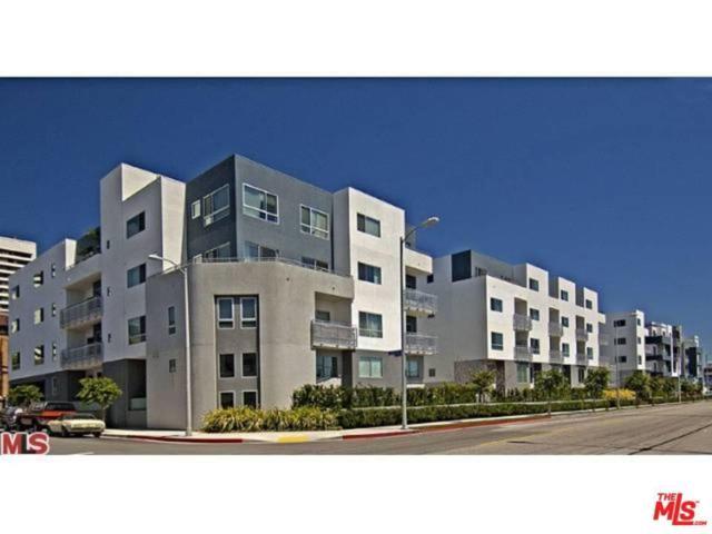 1700 Sawtelle #320, Los Angeles (City), CA 90025 (#17243754) :: TBG Homes - Keller Williams