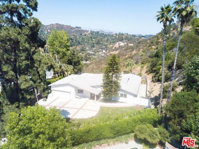 2658 Carmar Drive, Los Angeles (City), CA 90046 (#17244074) :: TBG Homes - Keller Williams