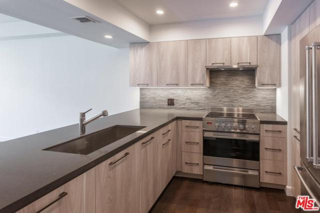 7135 Hollywood #405, Los Angeles (City), CA 90046 (#17245130) :: TBG Homes - Keller Williams