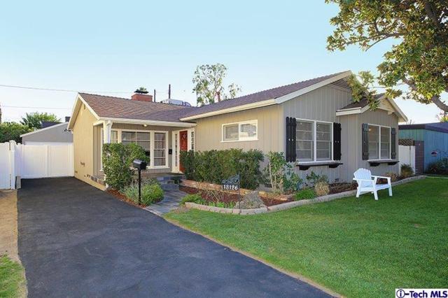 13126 Huston Street, Sherman Oaks, CA 91423 (#318000531) :: Paris and Connor MacIvor