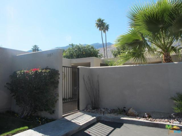1807 S La Paloma, Palm Springs, CA 92264 (#18309858PS) :: Golden Palm Properties