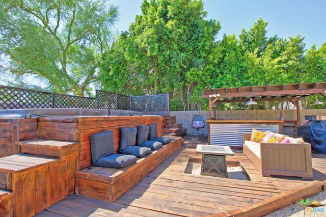 78 Sedona Court, Palm Desert, CA 92211 (#18359318PS) :: Lydia Gable Realty Group